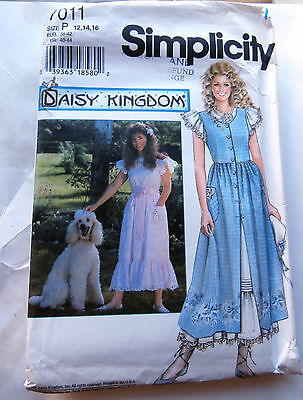 Oop Simplicity 7011 Daisy Kingdom Misses Pinafore & Dress sizes 12-16 NEW