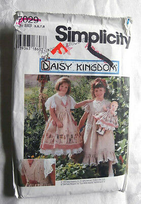 Oop Simplicity Daisy Kingdom 7029 girls pinafore dress doll clothes size 5-8 NEW
