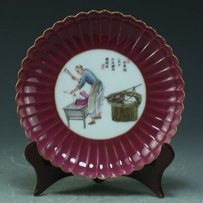 China Exquisite Hand Painted Butcher sells pigs pattern porcelain plate