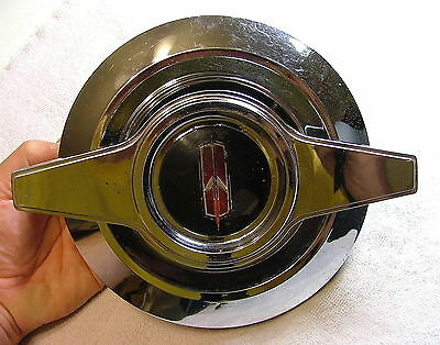 1965 OLDSMOBILE Snap-in Center Hubcap for N93 Aluminum Wheelcover RARE & NICE