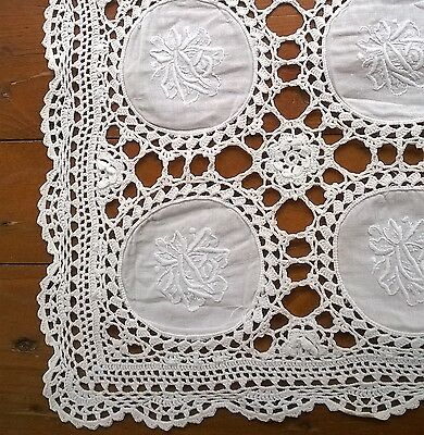 VINTAGE Style Cotton and Lace Table RUNNER French Country