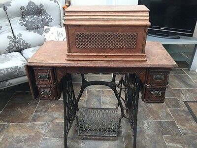 Vintage Singer Sewing Machine Stand Complete With Sewing Machine