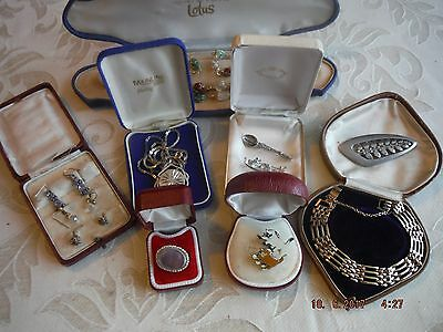 10x Vintage/Modern Mixed Jewelry Job Lot Necklaces,Brooches,Earrings,Ring,432