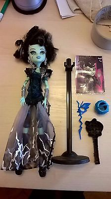 Monster High Doll FRANKIE STEIN Ghoul's Rule