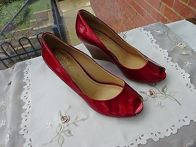 Clarks Red Patent Leather Peep Toe Sandals Size 5