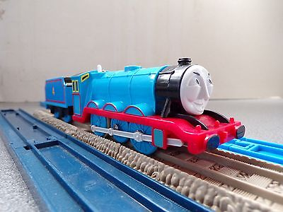 #gordon No 4 And Tender -Tomy Trackmaster - Thomas The Tank Engine And Friends
