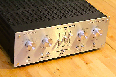 Marantz Console Stereo Integrated Amplifier 1090 with Phono