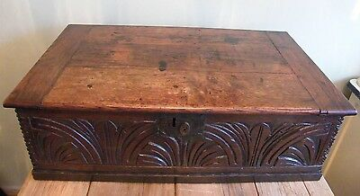 A FINE LARGE ANTIQUE OAK EARLY 18th CENTURY CHURCH BIBLE BOX CHEST