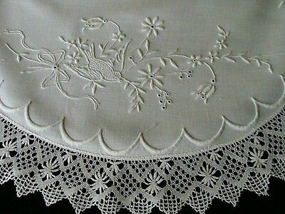 "WOW Antique Victorian Linen Round Tablecloth 25"" Centerpiece Topper Hand Embroid"