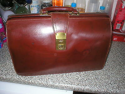 Vintage Brown Leather Gladstone Bag
