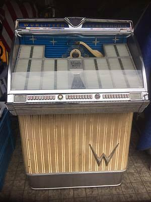 Wurlitzer 2300-S jukebox