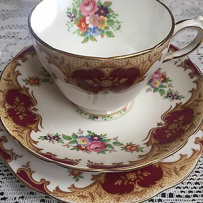 Grosvenor Trio Cup Saucer Plate Great Condition