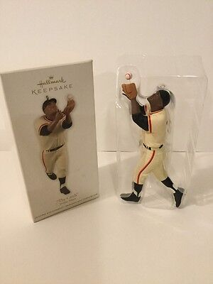 2012 Hallmark The Catch Willie Mays Keepsake Ornament
