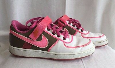 Nike Laced Sneakers Brown Pink White Womens Girls Athletic Running Shoes Sz 7