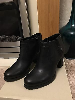 NEW Clarks Ladies Black Leather Ankle Boots UK 8 D Artisan Stylish Biker Macay