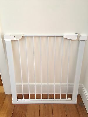 Child Safety Gate. Extendable. No Drilling Required! Perfect Condition