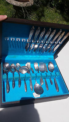 Silver Tulip Flatware Service For 8 + Serving Pieces International 56 Total