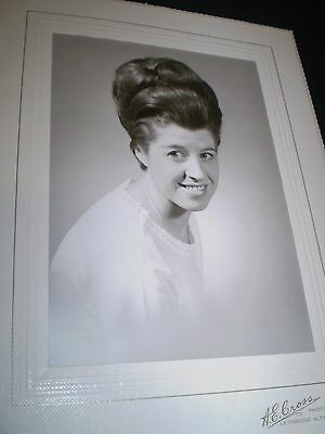 social history 1960's BIG HAIR FASHION STUDIO PORTRAIT photograph 10X7