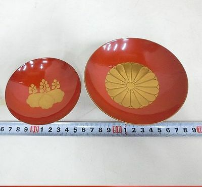 Japanese Antique RED LACQUER SAKAZUKI SAKE CUP MAKIE Royal family Crest TWO CUP