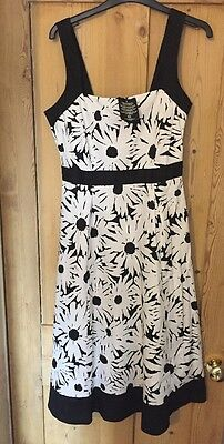 ladies black and white dress size 10