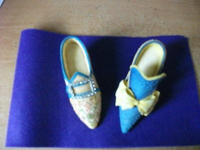 Willow Hall, Age of Elegance Minature Shoe Ornaments