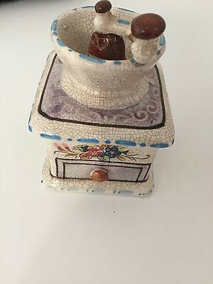 MOULIN A CAFE VINTAGE  PORCELAINE  ancien 10cm