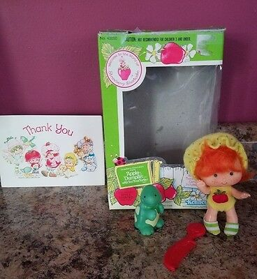 Vintage STRAWBERRY SHORTCAKE APPLE DUMPLIN' Doll with Pet in original box!!