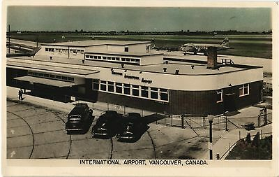 Vancouver Airport terminal & Pan Am DC-4. Aviation Airline Airplane Postcard