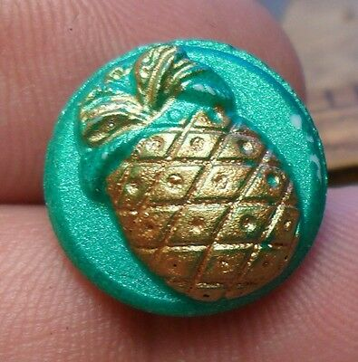 WOW 3/4 Nice Old Glass Antique Button 233:17