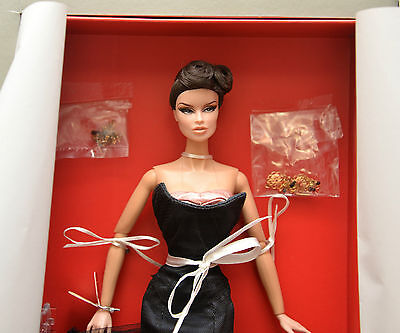Fashion Royalty Going Places Vanessa Perrin Dressed Doll