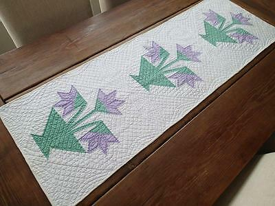 Beautiful Quilting! Vintage 30s Lavender Carolina Lily Basket Table QUILT RUNNER
