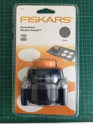 Fiskars Shape Cutter Everwhere Circle Window Punch New in sealed packet 5564