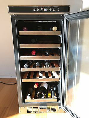 Delonghi Wine Fridge DEWC30S