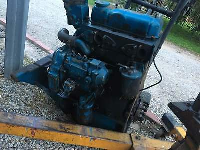 Fordson Dexta tractor  ford 3cyl perkins engine motor parts