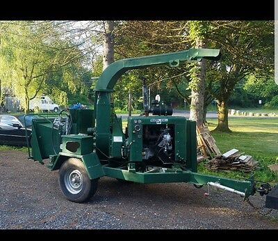 "brush bandit 200 12 "" tree chipper 4cyl gas engine"