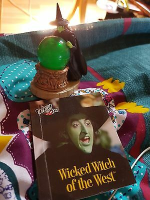The wizard of oz wicked witch figurine+ mini book x