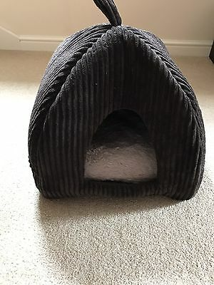 Small Pet Igloo Bed