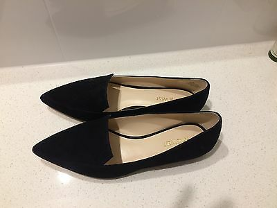 Woman's suede black flat shoes size 8.5 Nine West