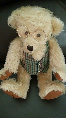 Robin Rive Limited Edition 'Gramps' bear