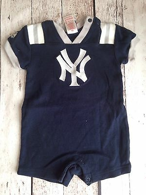 Infant Navy Blue New York Yankees One Piece Size 6-9 Months