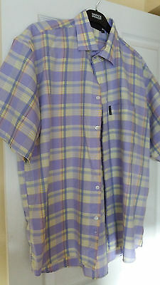 Mens short sleeved shirt by Blakes, size L. Pale lilac/blue check