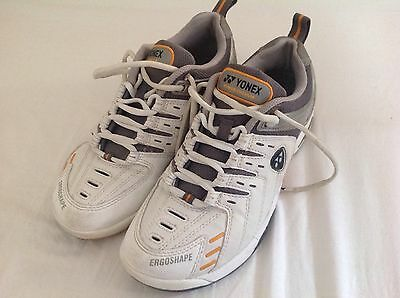 Yonex Power Cushion Badminton shoes. Size 51/2 Very little wear