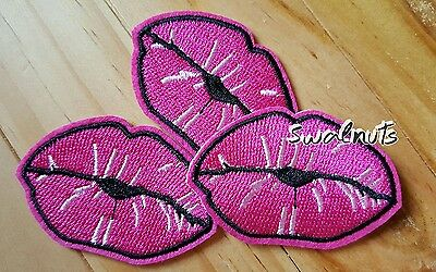 2pcs Iron on Transfer PINK Embroidered LIPS Patch Applique Motif Badge