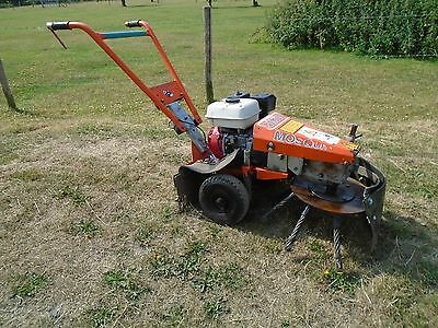 Nimos Mosquito weed ripper moss remover with Honda engine
