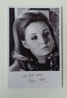"""HAMMER HORROR - Actress Pippa Steel Reproduced Autograph 6""""X4"""" Glossy Pic"""