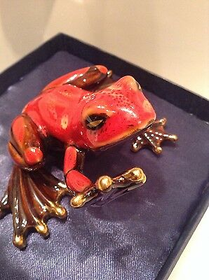 Old Tupton Ware-High Five Frog