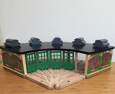 Tidmouth Roundhouse Engine Shed BRIO ELC THOMAS AND FRIENDS Wooden Train Set