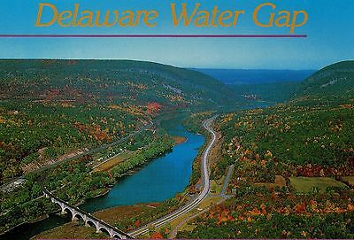 Old Postcard: DELAWARE WATER GAP, United States