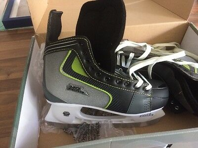 Pro Ice Hockey Skates Size 8 Adult No Fear BNWB