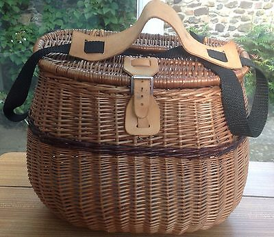 Wicker Trout Fishing Picnic Creel Basket Beige River Bag Canvas Strap Clasp